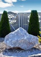 Nik Mil Legnica - duży kamień ozdobny